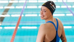 ProMinent's sponsorship is visible around the globe - on Sarah Köhler's sports gear and her swimming cap.